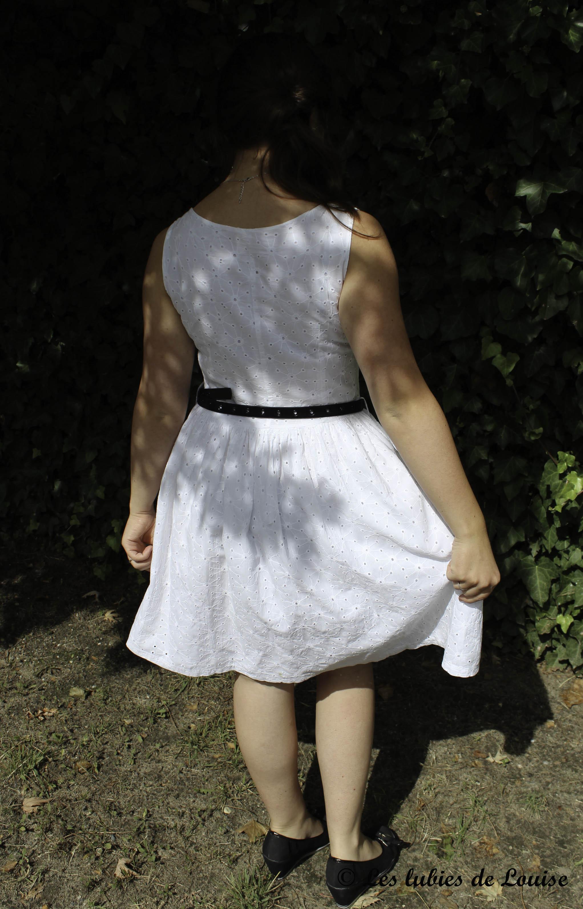 Petite robe broderie anglaise blanche - Les lubies de Louise (2 sur 11)