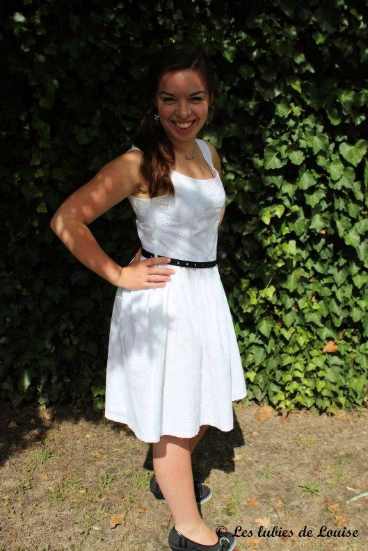 Petite robe broderie anglaise blanche - Les lubies de Louise (6 sur 11)