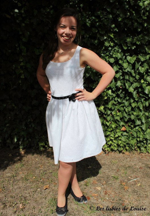 Petite robe broderie anglaise blanche - Les lubies de Louise (7 sur 11)